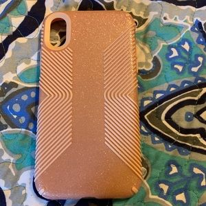 Speck iPhone XR rose gold case